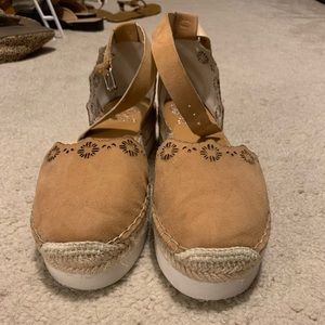 Vince Camuto espadrilles. Like new!